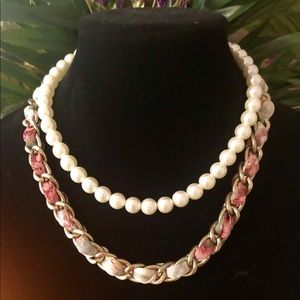 Forever 21 Jewelry - 🌸Pearl & Braided fabrick necklace💕💝💐